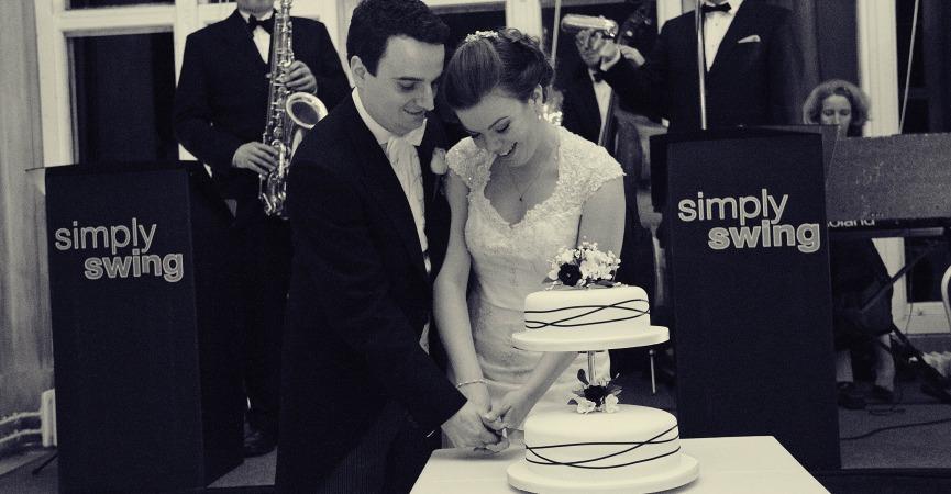 Simply Swing - Cake Cutting