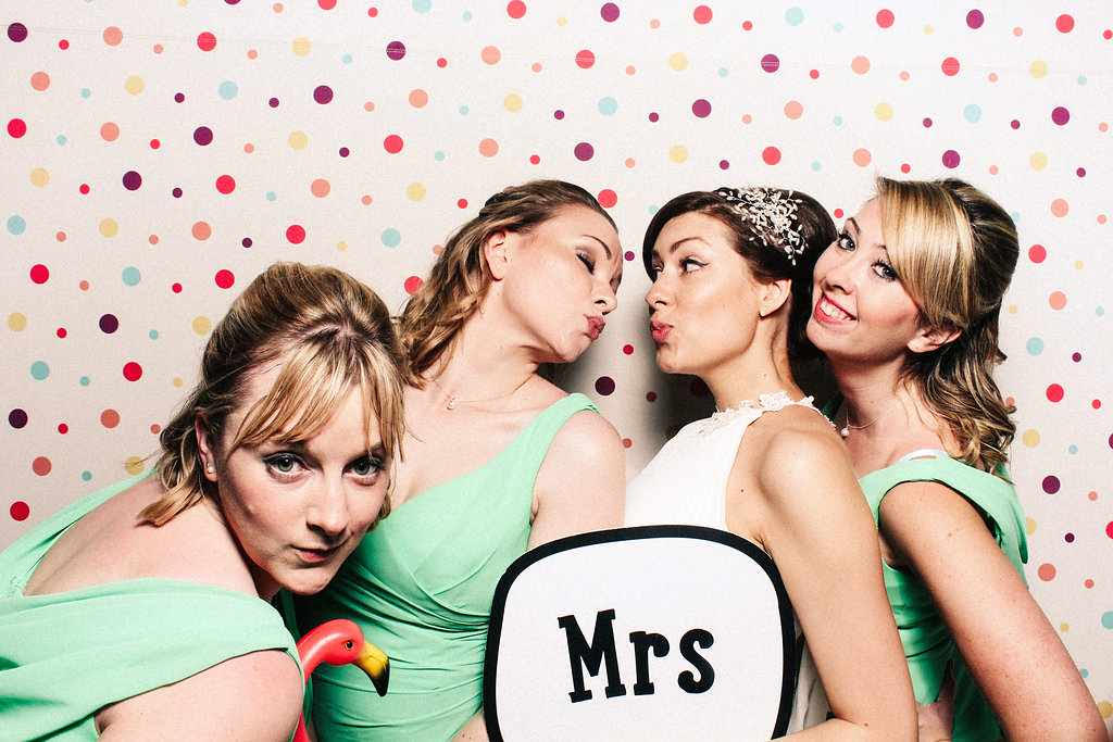 Marianne and Jack - Nonsuch Manor - Mrs Photo Booth