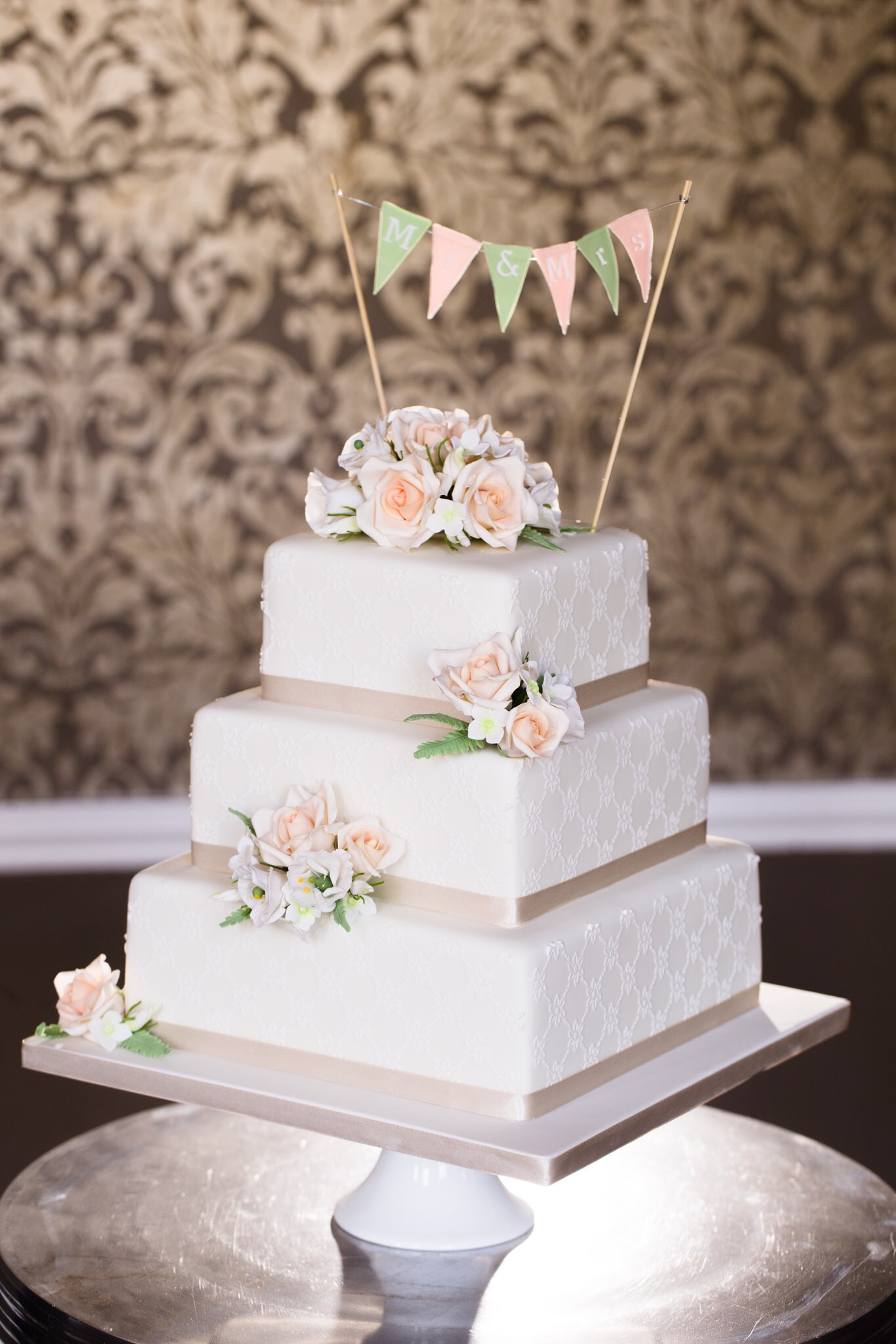 Marianne and Jack - Nonsuch Mansion - Cake