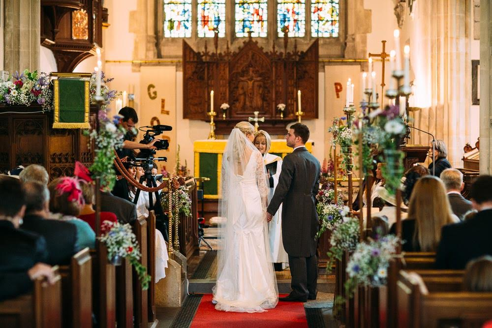 Wedding Videographer - Altar